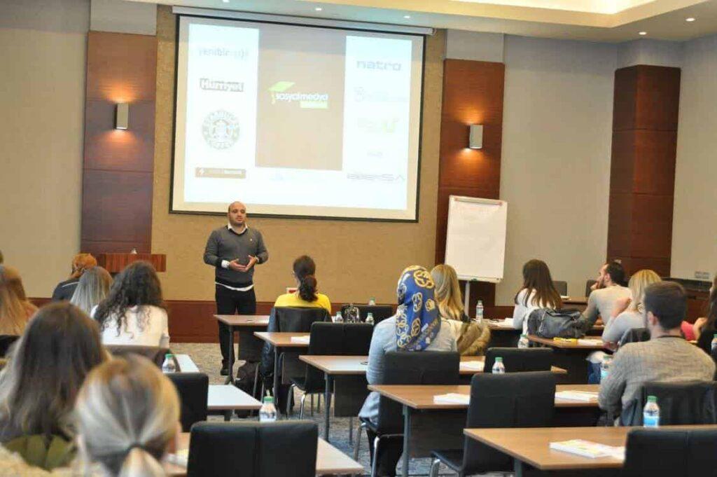 sosyal-medya-kampusu-dersleri